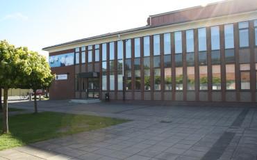 Bilden föreställer Alléskolan i Vara