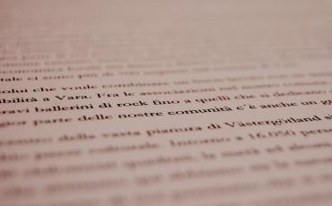 Papper med text på annat språk än svenska
