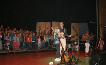 Hela skolan sjunger