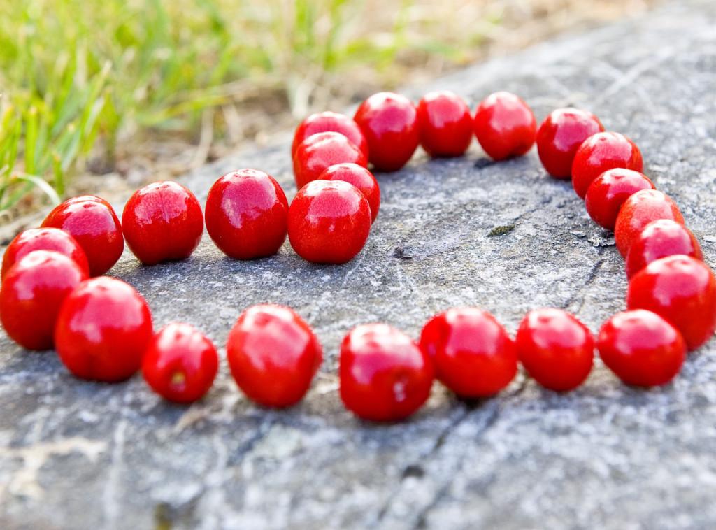 Ett hjärta av röda bär