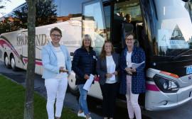 Kommundirektör Anna Cederqvist, Birgitta Ahlberg, rektor på Västra/Park, Nina Persson, personalchef och Maria Carlsson-Torp, kvalitetsstrateg inför bussresan till Norge.
