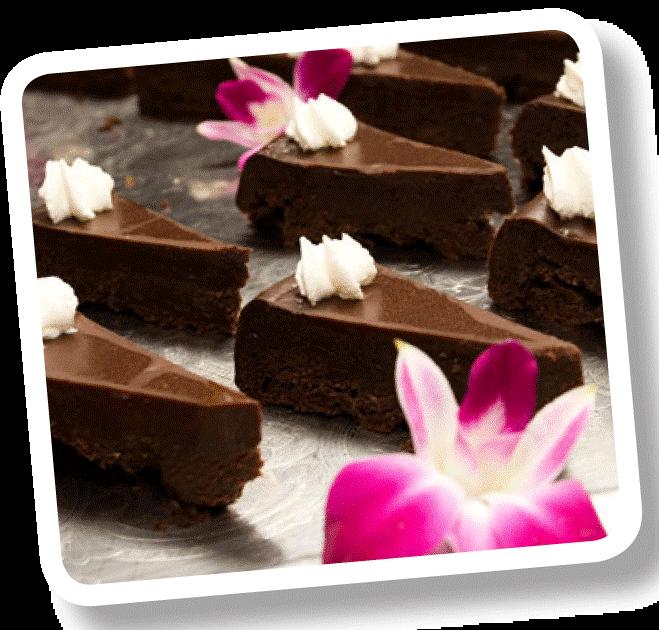 Bitar av chokladtårta