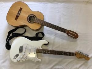 Akustisk gitarr och elgitarr
