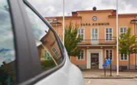 Bilden visar Varas kommunhus.